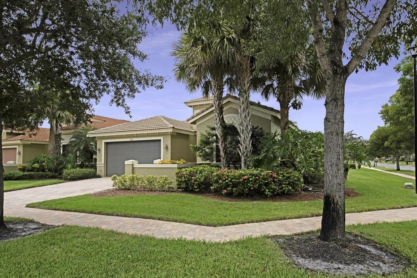Photo of 9580 Tivoli Isles Boulevard, Delray Beach, FL 33446 (MLS # RX-10608193)