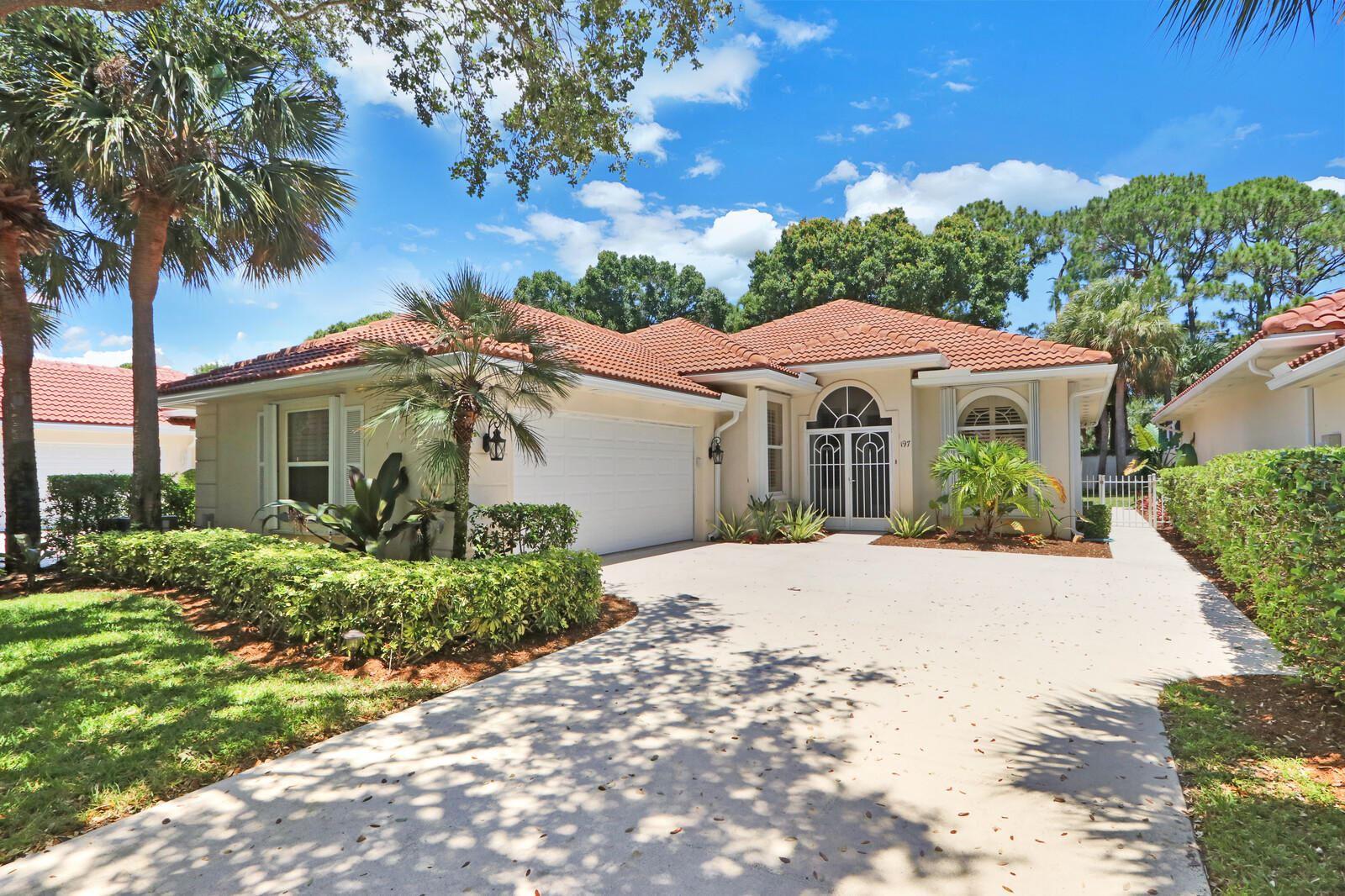 197 E Tall Oaks Circle, Palm Beach Gardens, FL 33410 - #: RX-10721194