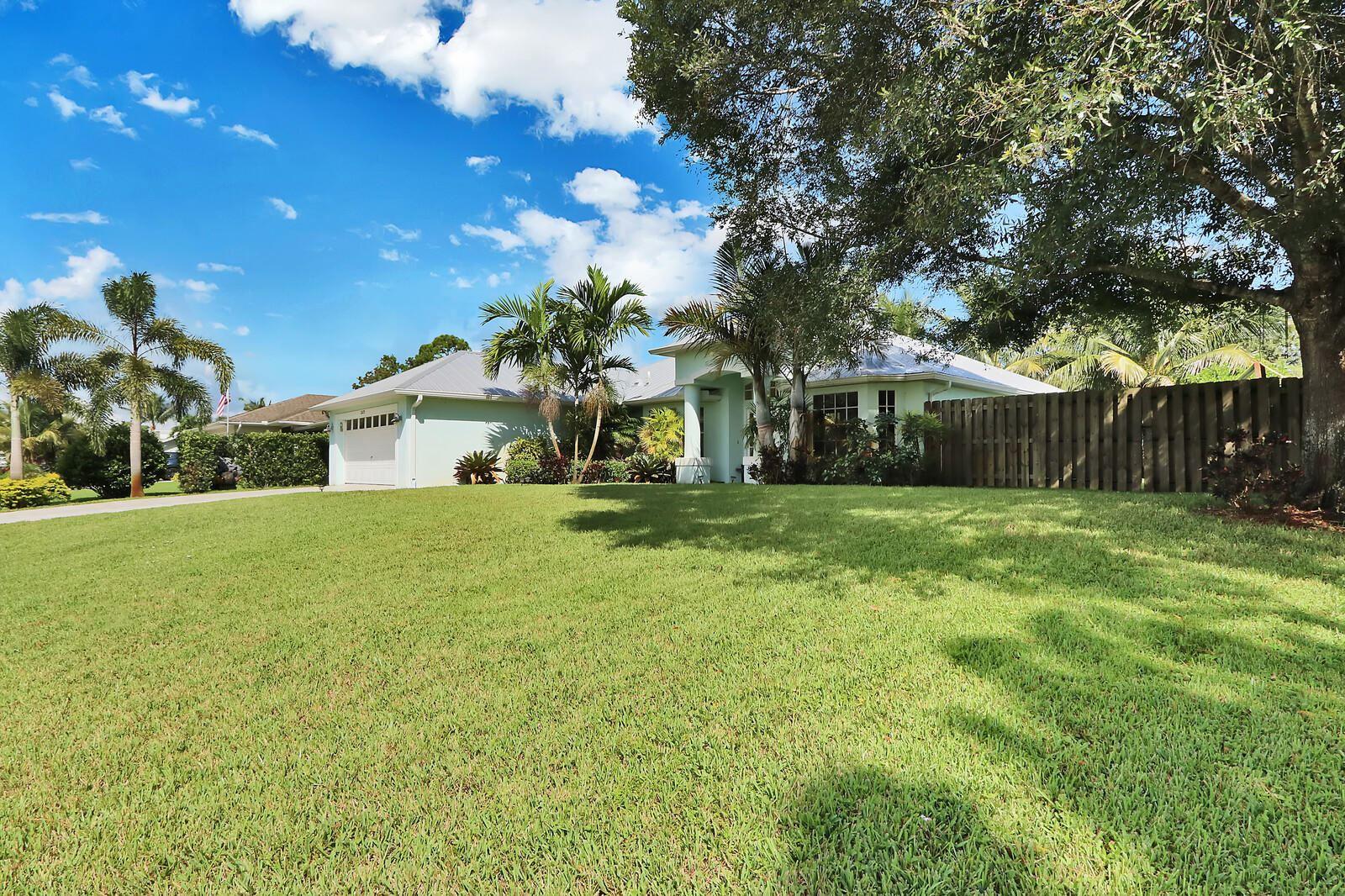 Photo of 2029 SW Oxbow Way, Palm City, FL 34990 (MLS # RX-10656195)