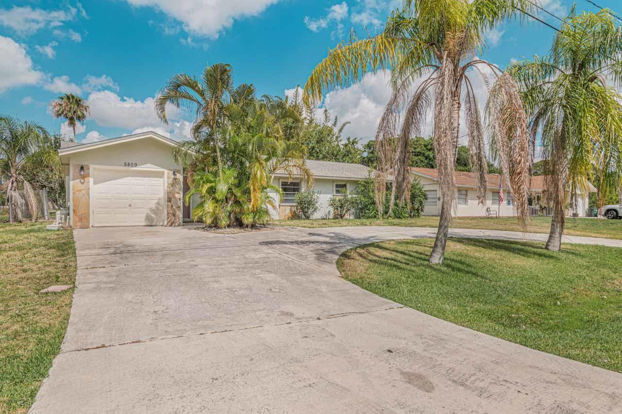 5809 Hickory Drive, Fort Pierce, FL 34982 - #: RX-10720199