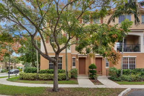 Photo of 1421 W Wickham Circle, Delray Beach, FL 33445 (MLS # RX-10599201)