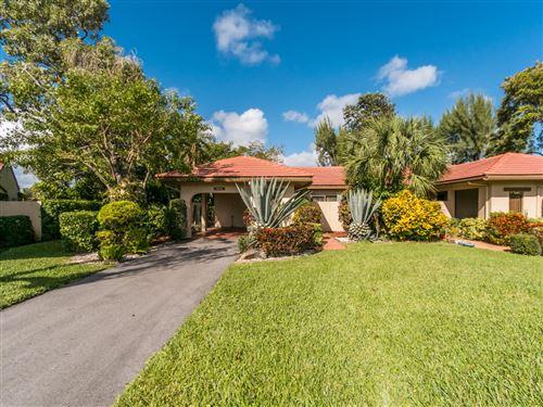 Photo of 8555 Casa Del Lago #40-A, Boca Raton, FL 33433 (MLS # RX-10673201)