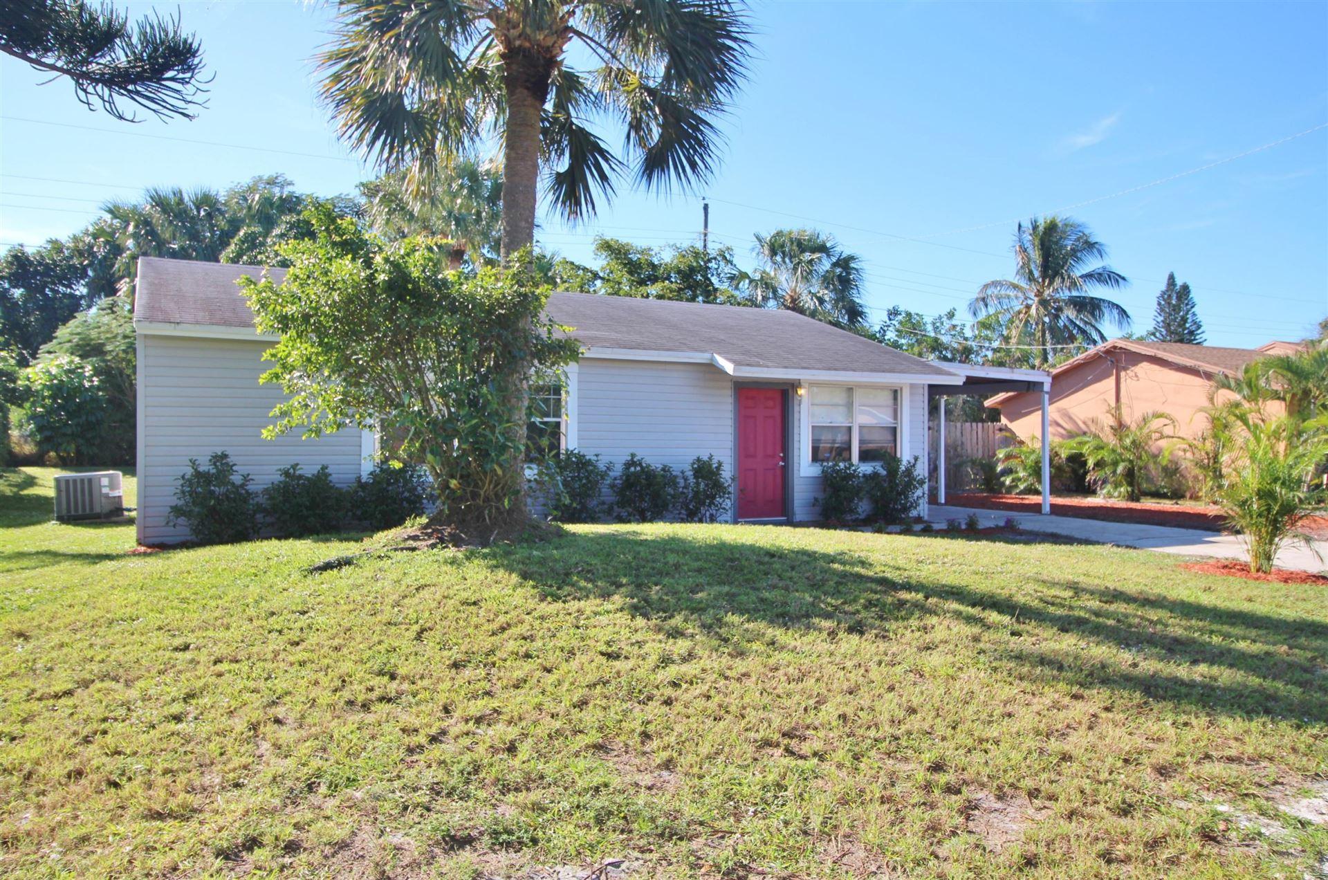 912 SE Lake Street, Stuart, FL 34994 - #: RX-10678201