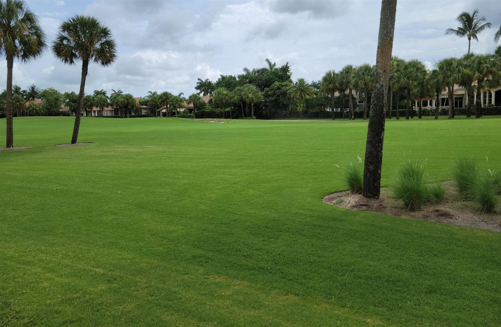 Photo of 18 Somerset Drive, Palm Beach Gardens, FL 33418 (MLS # RX-10728209)