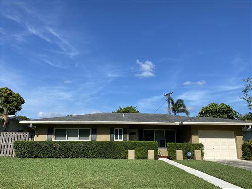Photo of 25 Pinehurst Lane, Boca Raton, FL 33431 (MLS # RX-10637210)