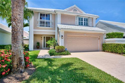 Photo of 12 Wyndham Lane, Palm Beach Gardens, FL 33418 (MLS # RX-10639211)