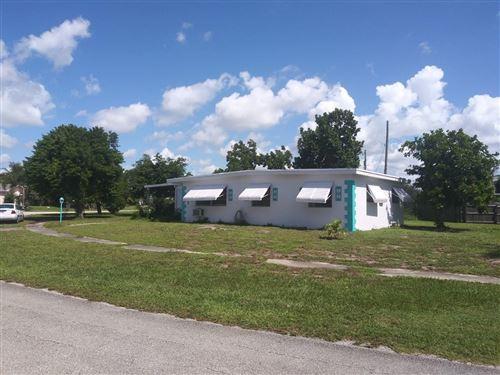 Foto de inmueble con direccion 1618 Osborne Circle Lake Worth FL 33461 con MLS RX-10651212