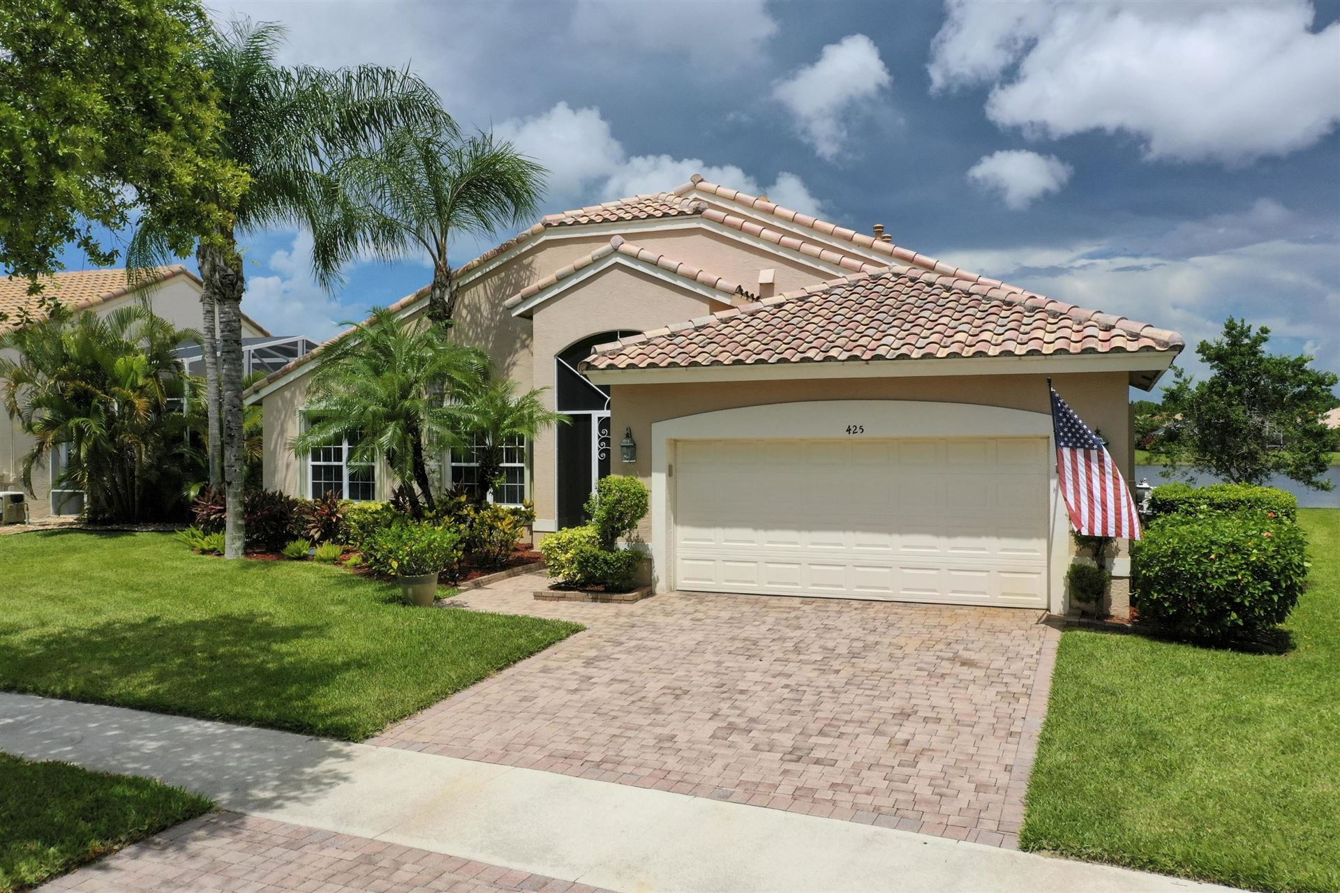 Photo of 425 NW Shoreview Drive, Port Saint Lucie, FL 34986 (MLS # RX-10639212)