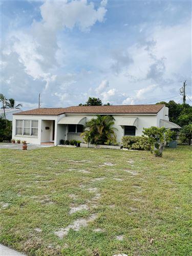 Photo of 823 El Prado, West Palm Beach, FL 33405 (MLS # RX-10754213)
