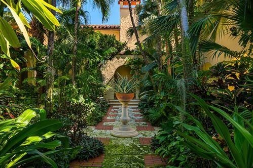 Foto de inmueble con direccion 151 Grace Trail #0040 Palm Beach FL 33480 con MLS RX-10593214