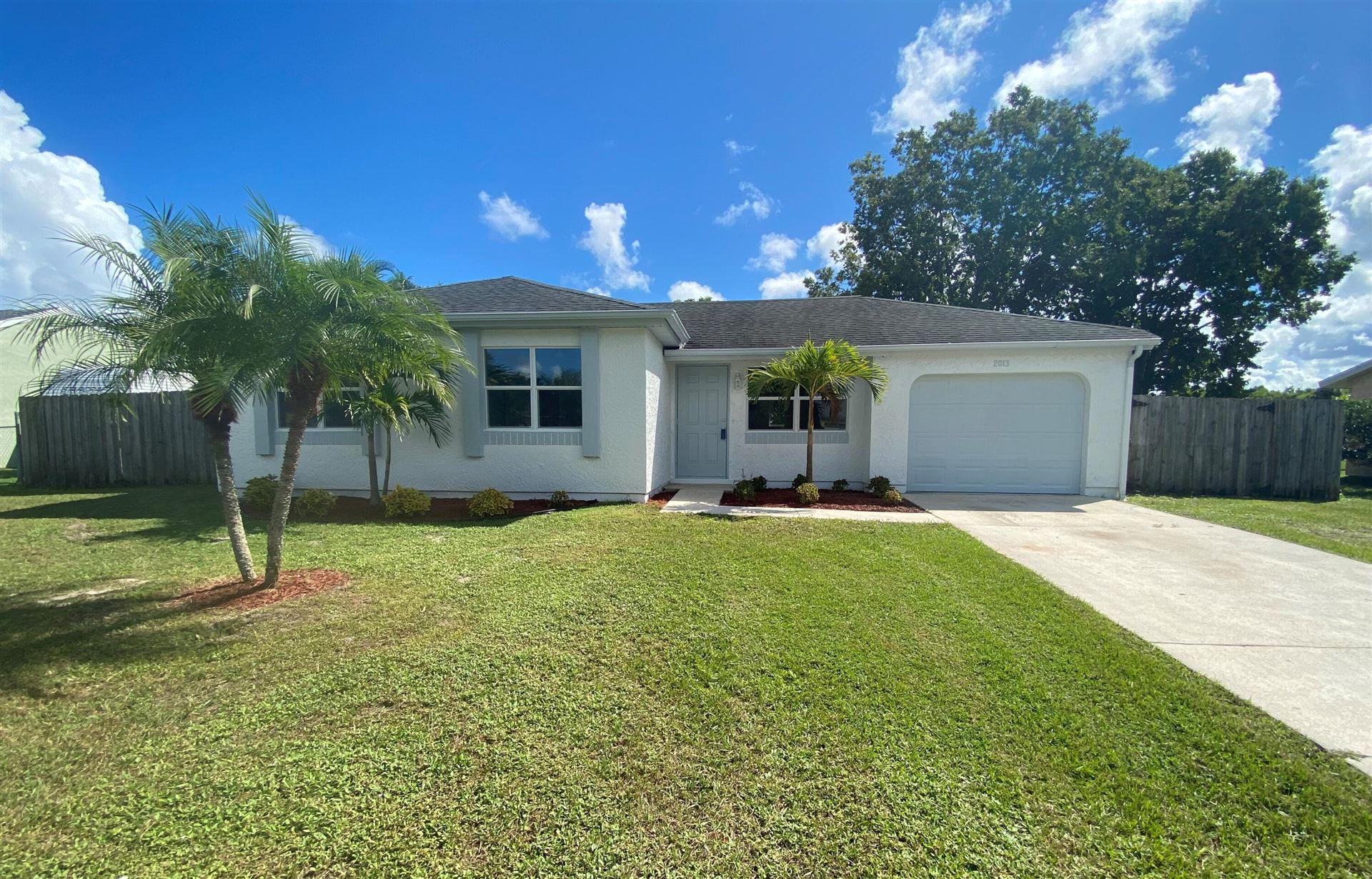 2013 SE West Dunbrooke Circle, Port Saint Lucie, FL 34952 - #: RX-10752215