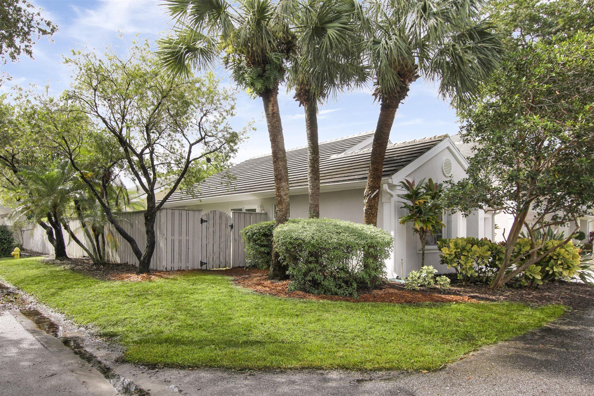 15 Commodore Place, Palm Beach Gardens, FL 33418 - #: RX-10670220