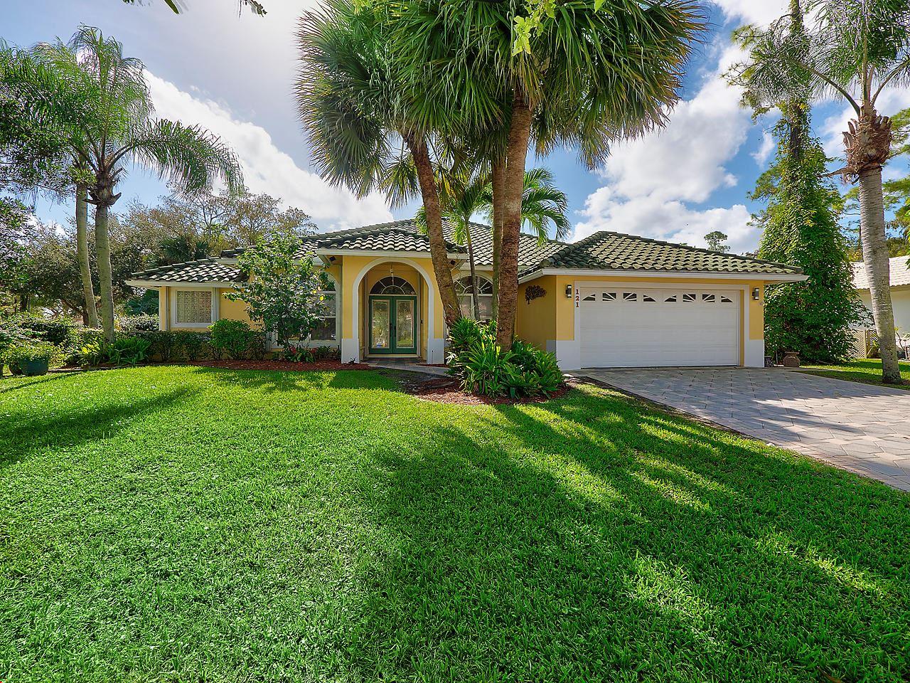 121 Cypress Crescent, Royal Palm Beach, FL 33411 - #: RX-10663222
