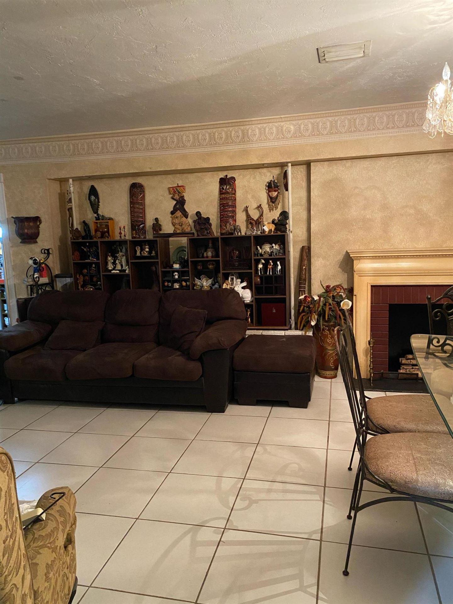 Photo of 121 SW 28 Terrace, Fort Lauderdale, FL 33312 (MLS # RX-10674223)