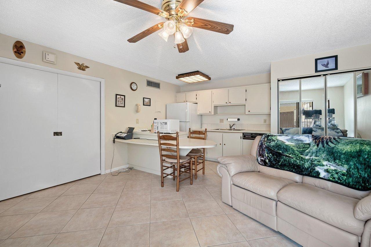 641 Executive Center Drive #P102, West Palm Beach, FL 33401 - MLS#: RX-10731223