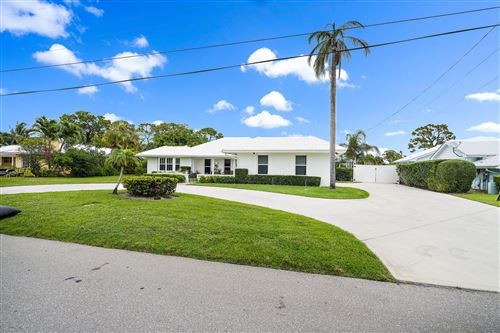 Photo of 82 Golfview Drive, Jupiter, FL 33469 (MLS # RX-10716230)