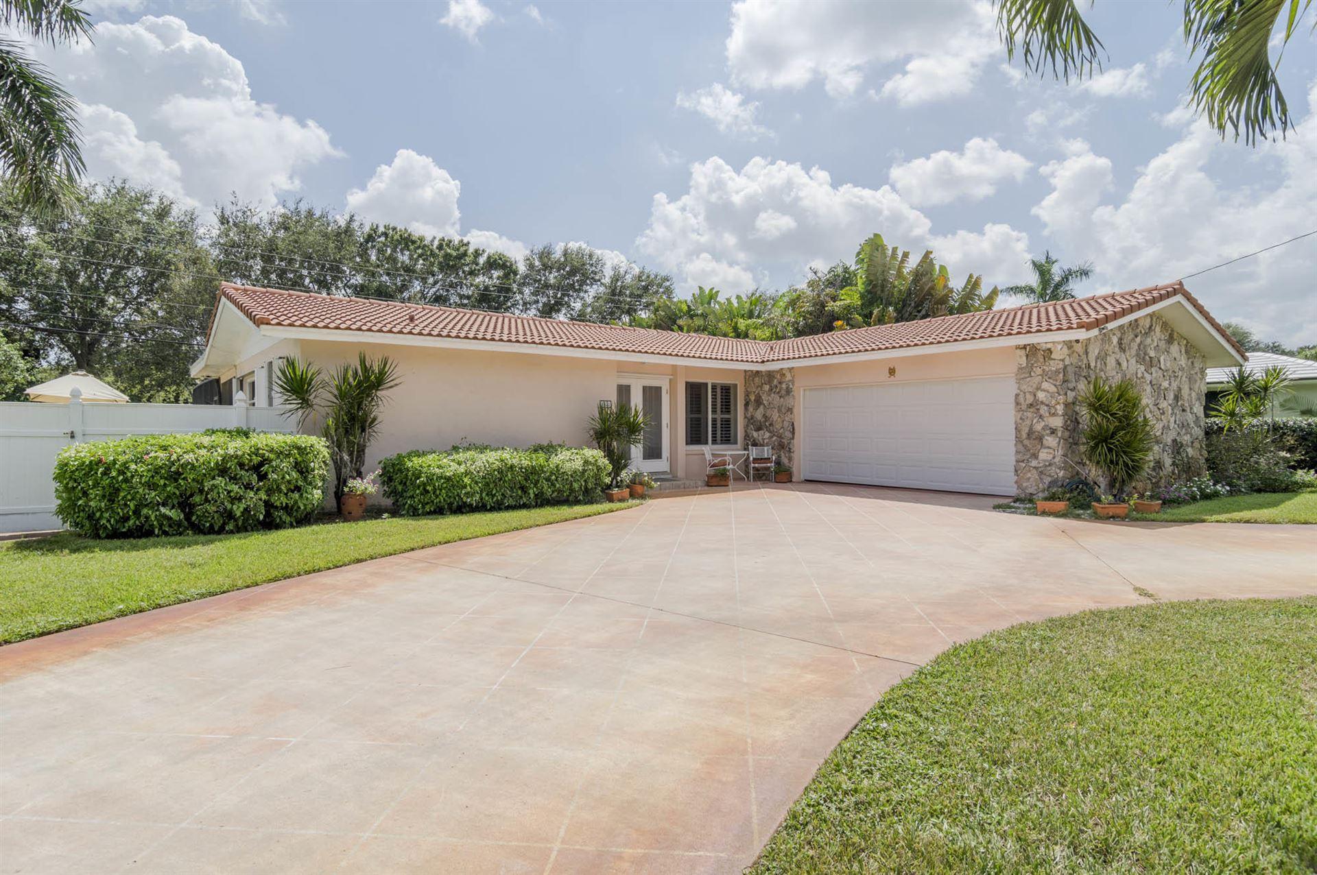Photo of 1828 Ardley Road, North Palm Beach, FL 33408 (MLS # RX-10655230)