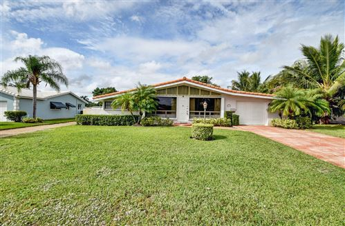 Photo of 3211 Fernwood Drive, Boynton Beach, FL 33435 (MLS # RX-10585234)