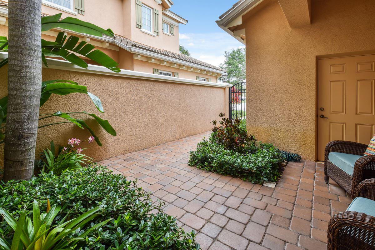 Photo of 4679 Cadiz Circle, Palm Beach Gardens, FL 33418 (MLS # RX-10726238)