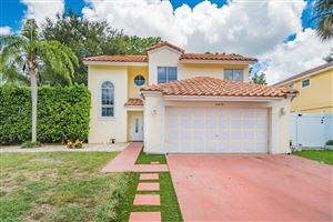 Photo of 10670 Palm Spring Drive, Boca Raton, FL 33428 (MLS # RX-10547240)