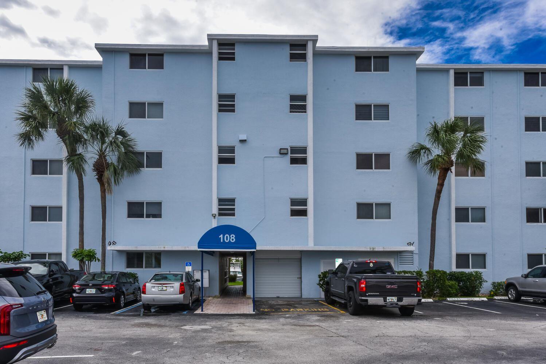 Photo of 108 Paradise Harbour Boulevard #103, North Palm Beach, FL 33408 (MLS # RX-10752240)