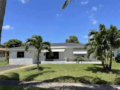 Photo of 430 SW 29th Terrace, Fort Lauderdale, FL 33312 (MLS # RX-10732242)