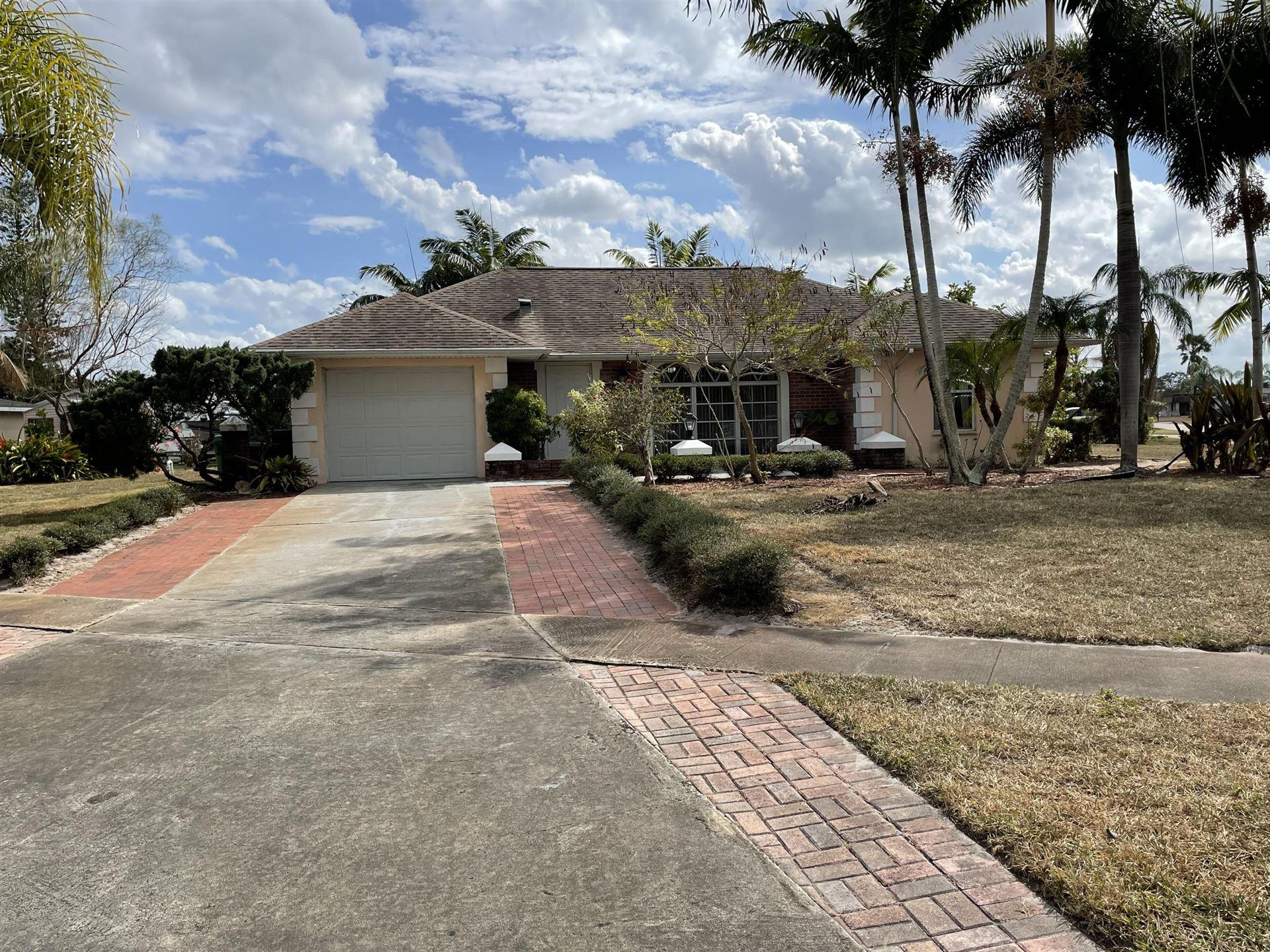 108 SE Calmoso Drive, Port Saint Lucie, FL 34983 - #: RX-10692242