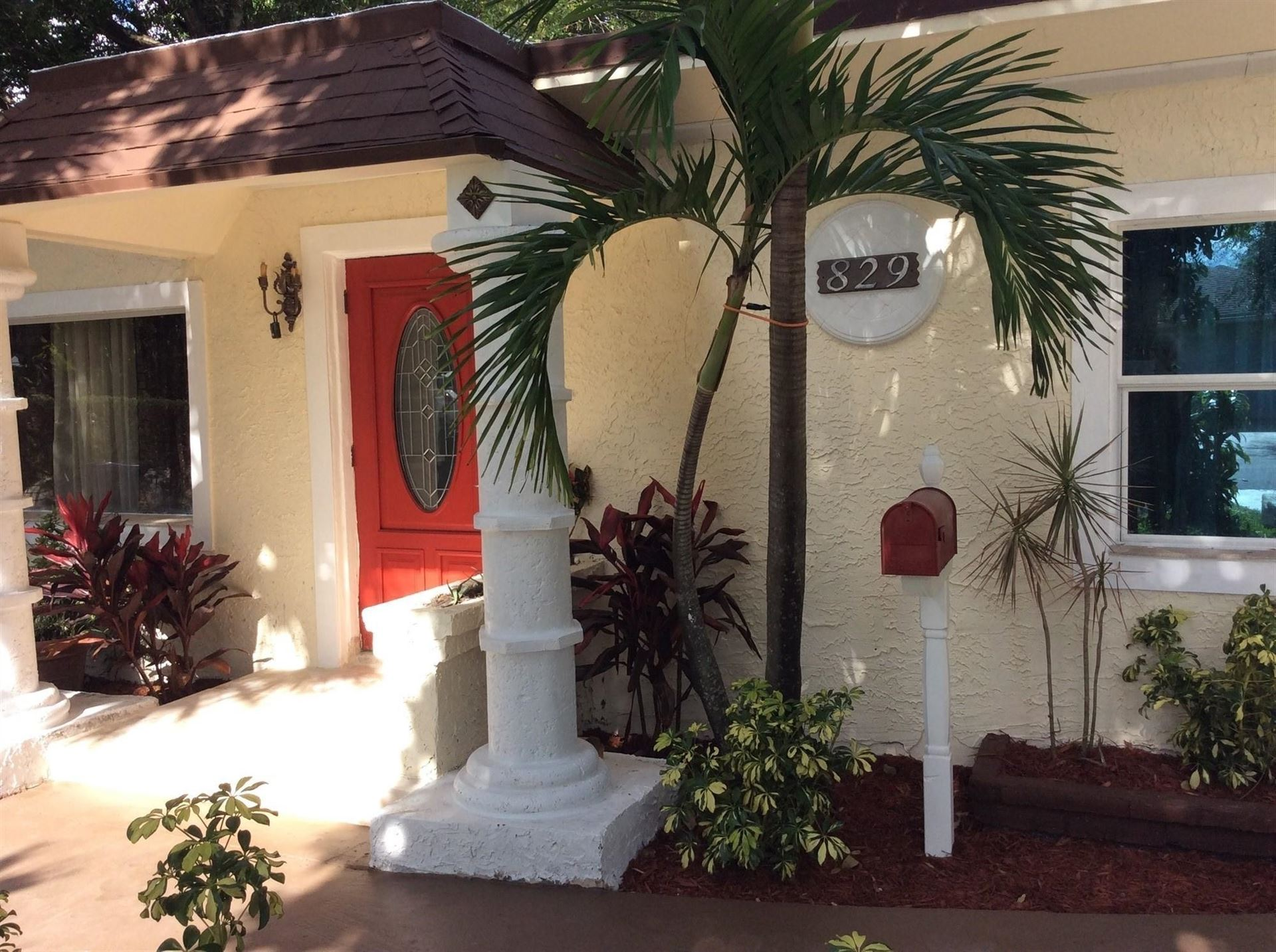 Photo of 829 NE 17th Street, Fort Lauderdale, FL 33305 (MLS # RX-10658244)