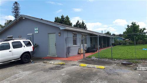 Foto de inmueble con direccion 4642 Myla Lane West Palm Beach FL 33417 con MLS RX-10666246