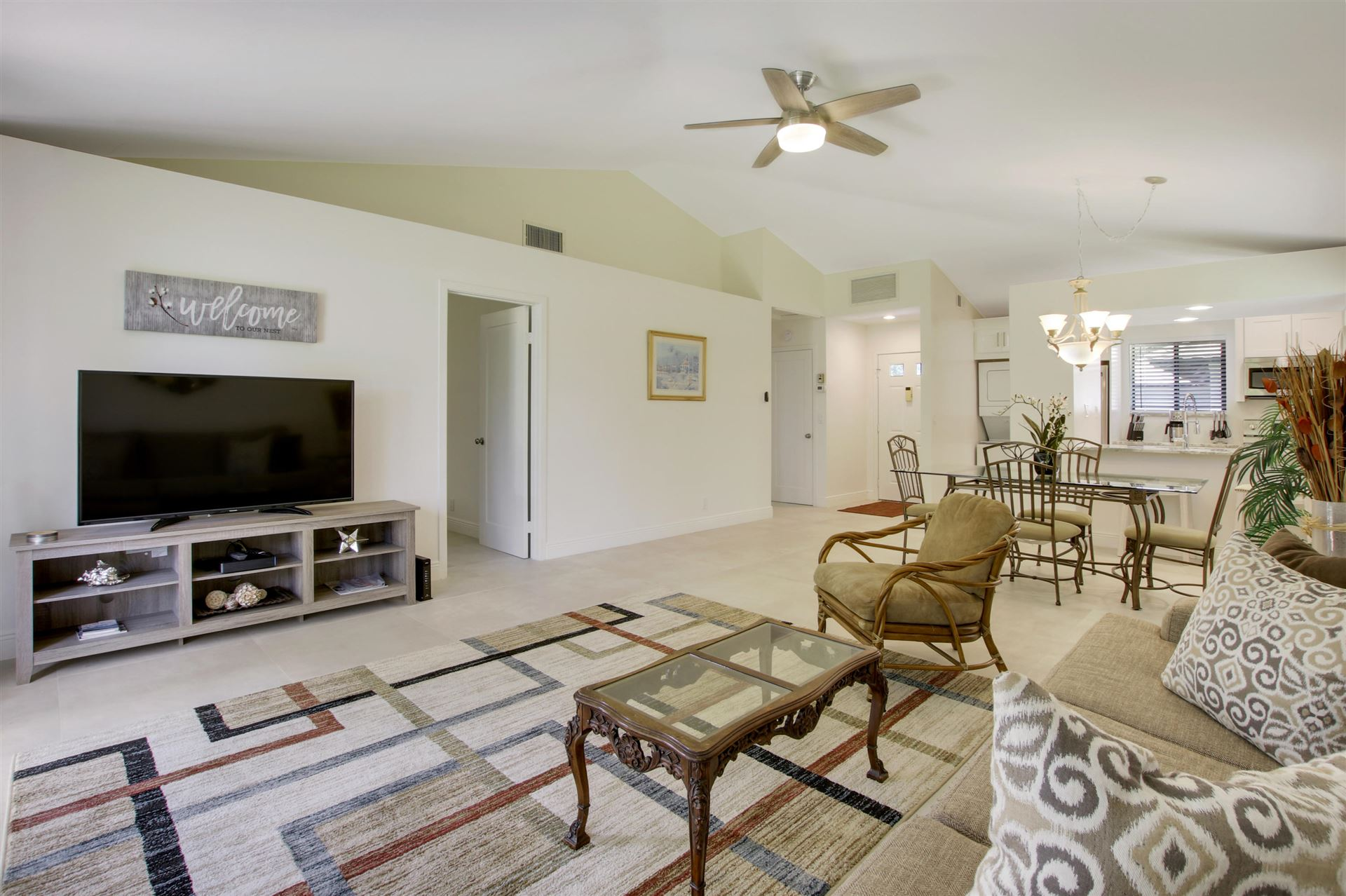 Photo of 826 Club Drive #826, Palm Beach Gardens, FL 33418 (MLS # RX-10632248)