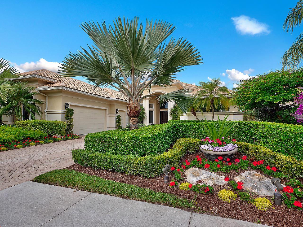 Photo of 118 Windsor Pointe Drive, Palm Beach Gardens, FL 33418 (MLS # RX-10686255)