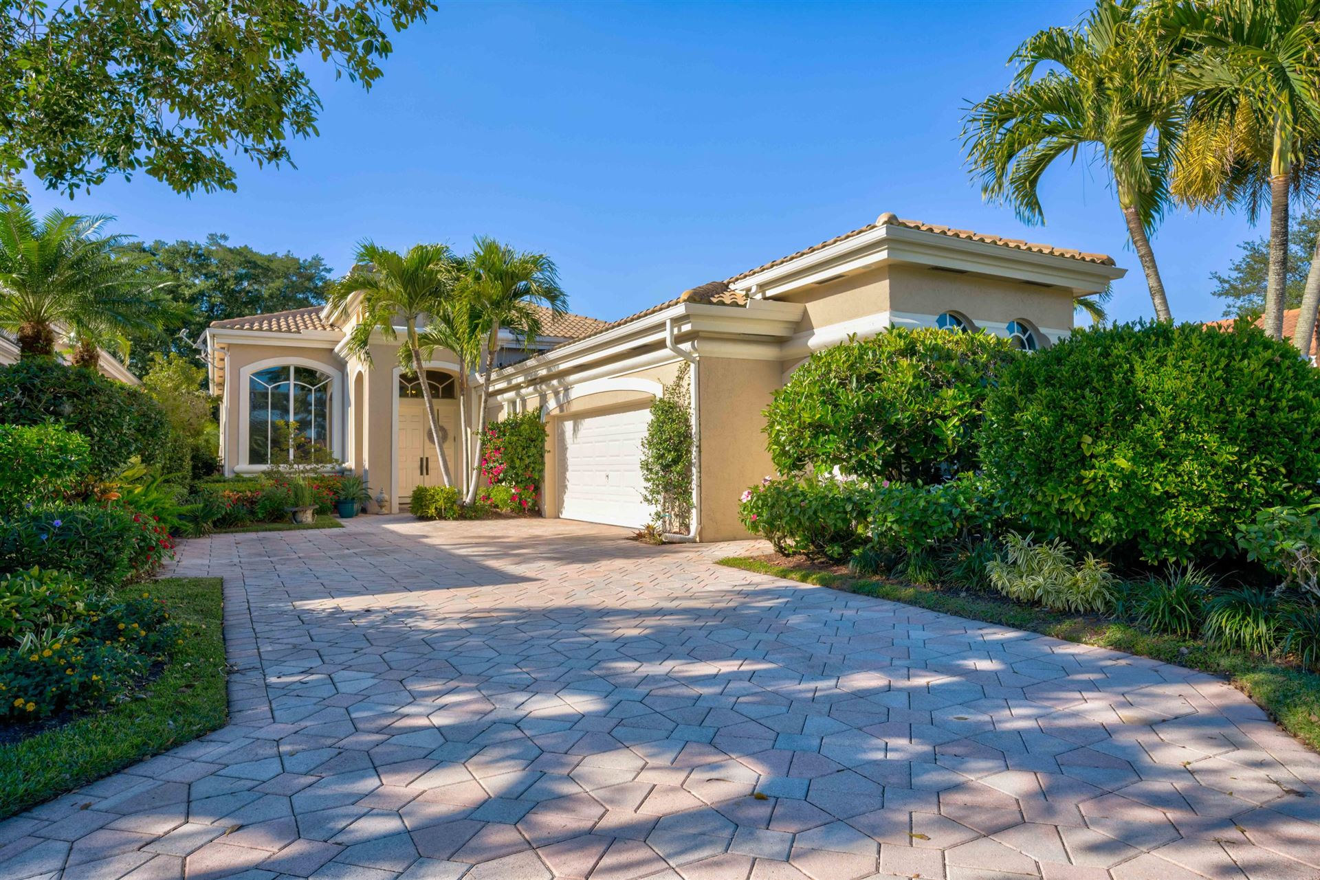 Photo of 283 Isle Way, Palm Beach Gardens, FL 33418 (MLS # RX-10685256)