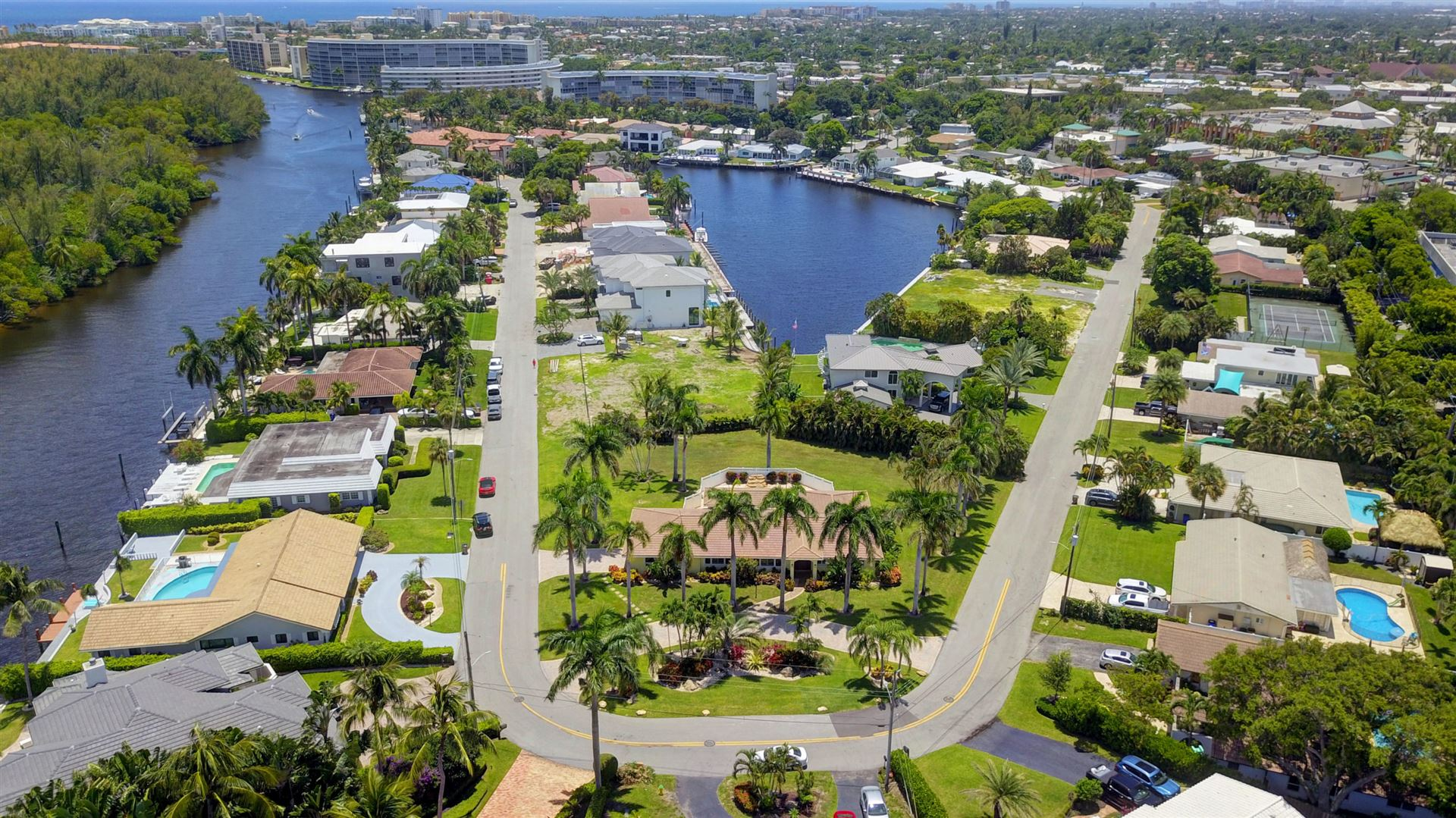 Photo of 46 Little Harbor Way, Deerfield Beach, FL 33441 (MLS # RX-10732256)