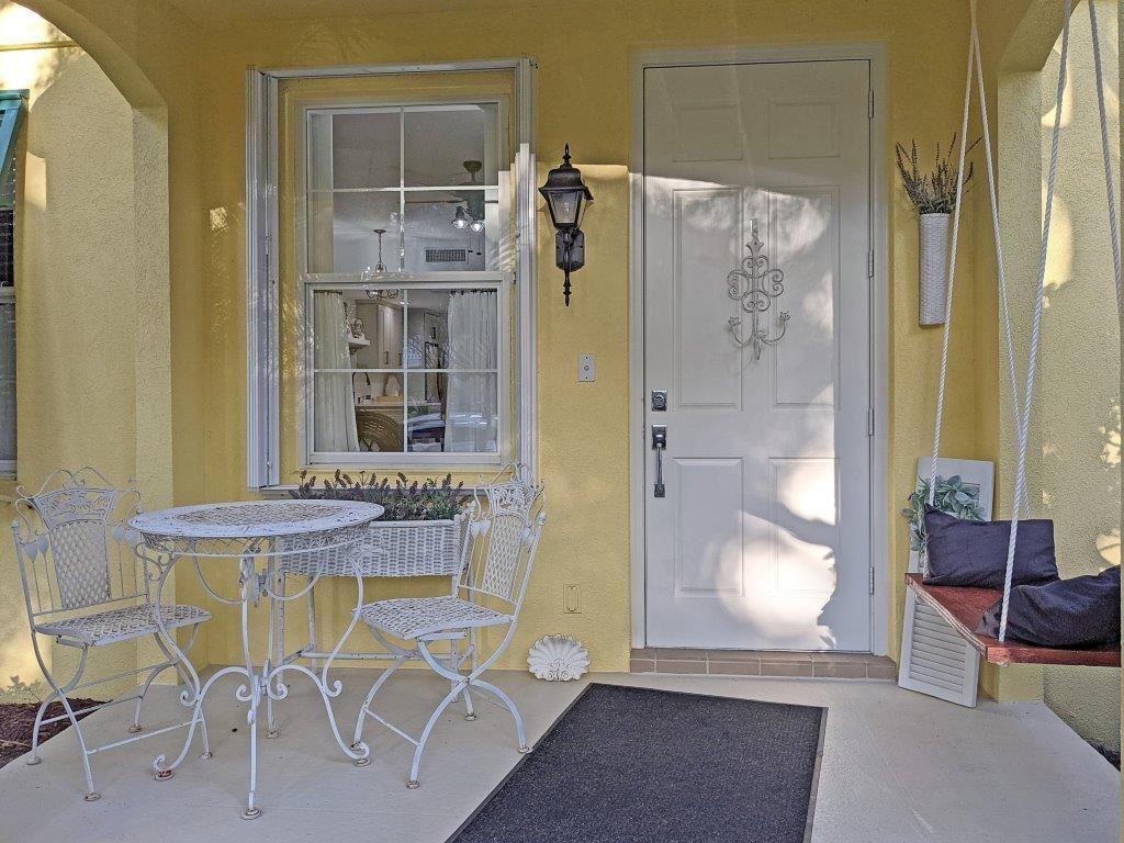 Photo of 3041 E Community Drive, Jupiter, FL 33458 (MLS # RX-10748256)