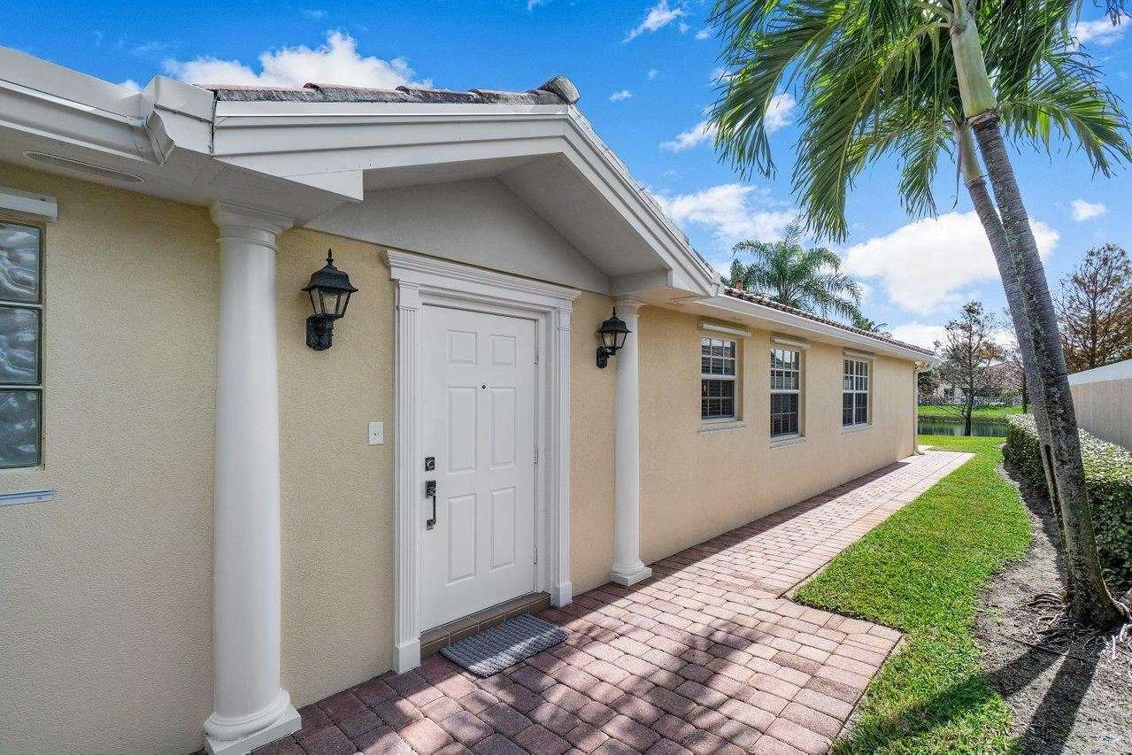 Photo of 5075 Magnolia Bay Circle, Palm Beach Gardens, FL 33418 (MLS # RX-10686258)