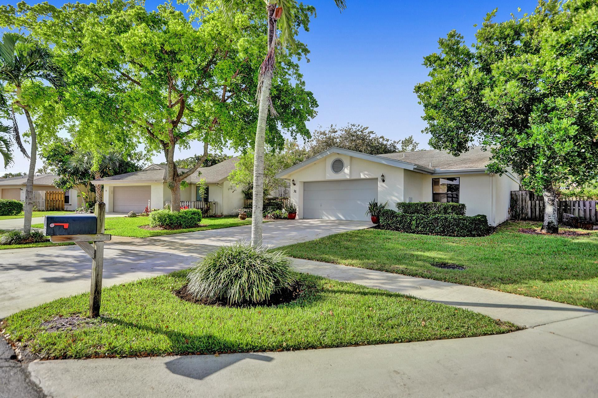 Photo of 31 Baytree Circle, Boynton Beach, FL 33436 (MLS # RX-10715258)
