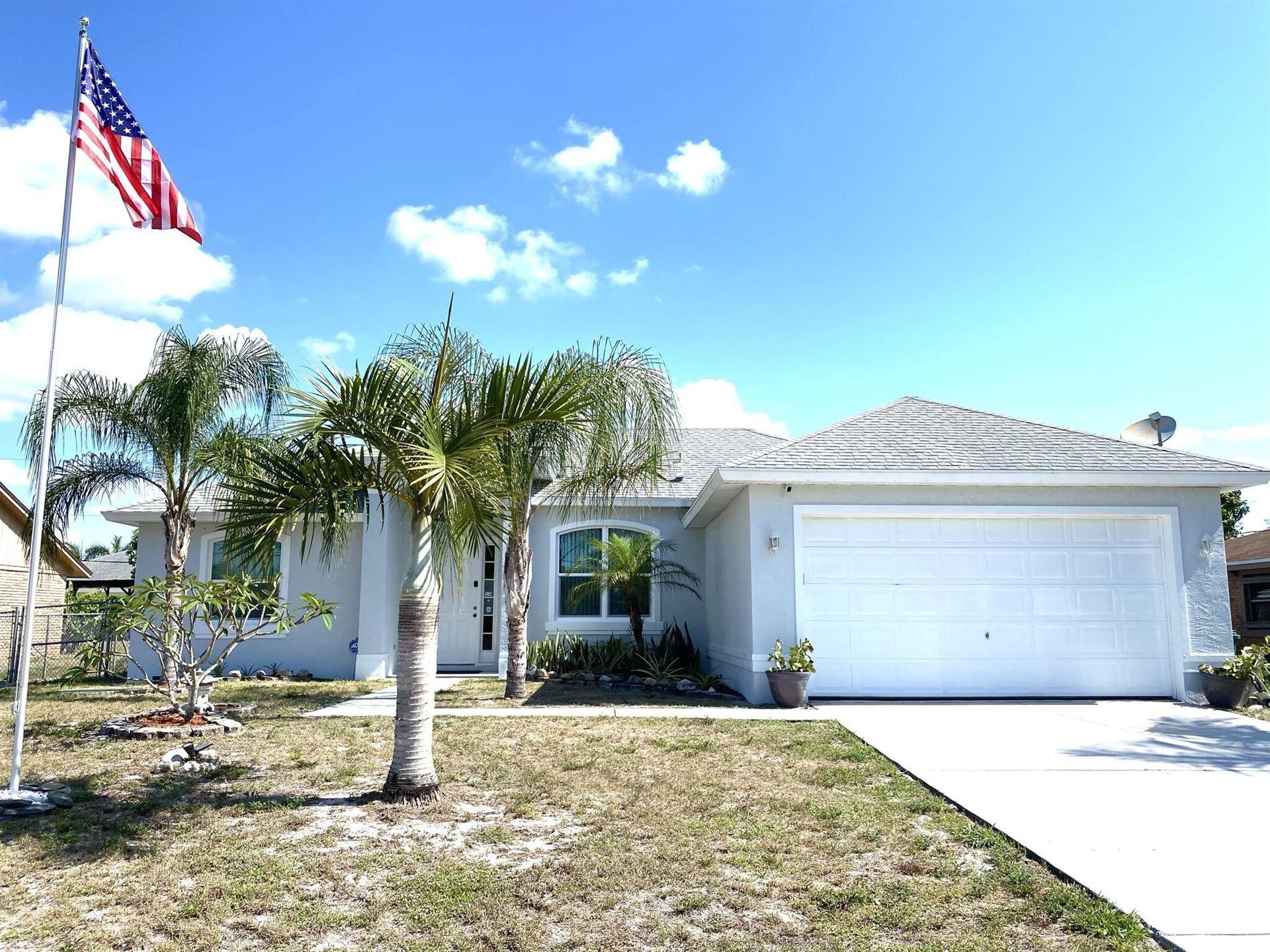 465 SE Oakridge Drive, Port Saint Lucie, FL 34984 - #: RX-10715262