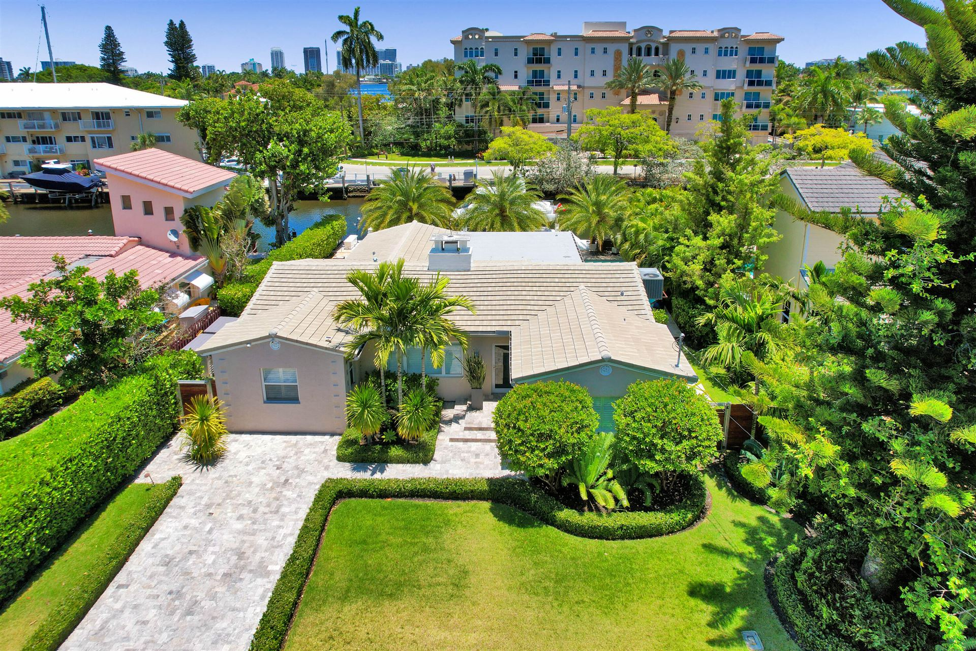 Photo of 528 Victoria Terrace, Fort Lauderdale, FL 33301 (MLS # RX-10719264)