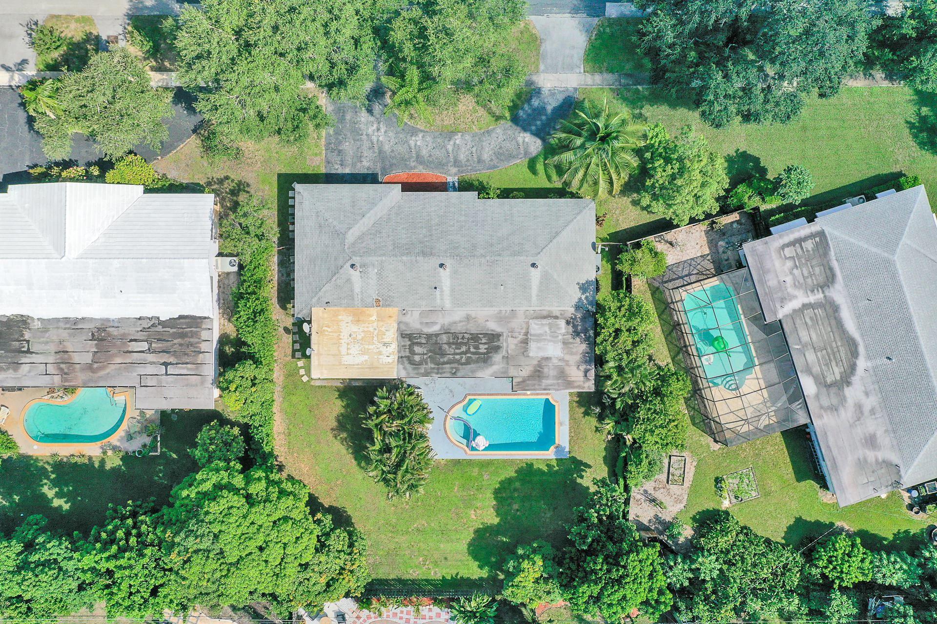 Photo of 481 SW 58 Avenue, Plantation, FL 33317 (MLS # RX-10672270)