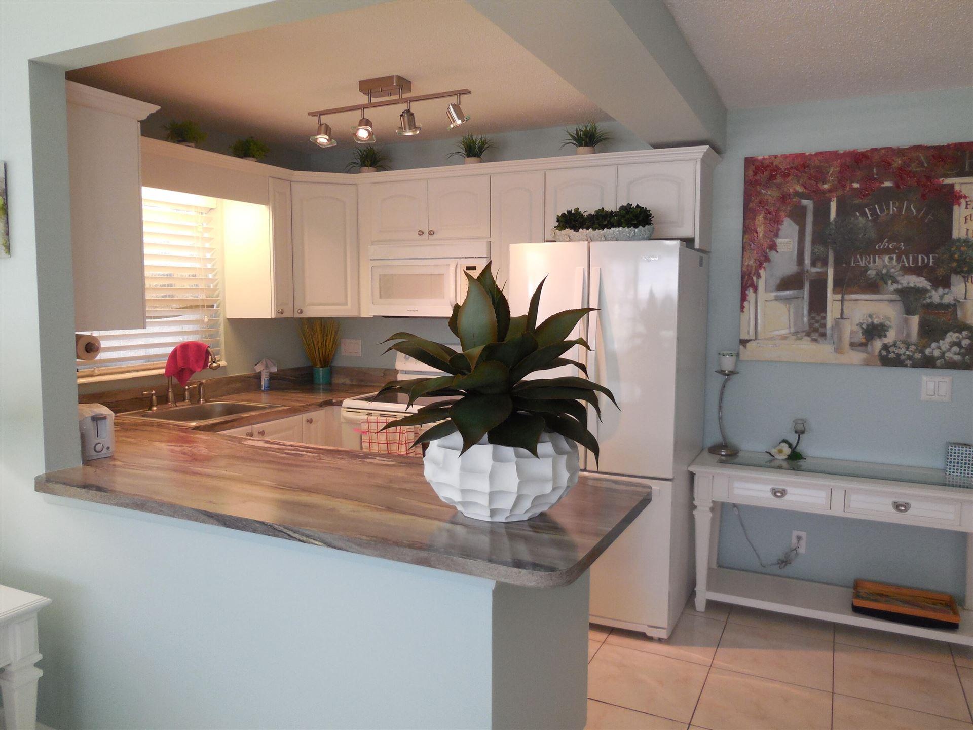 424 Windsor R, West Palm Beach, FL 33417 - #: RX-10718272