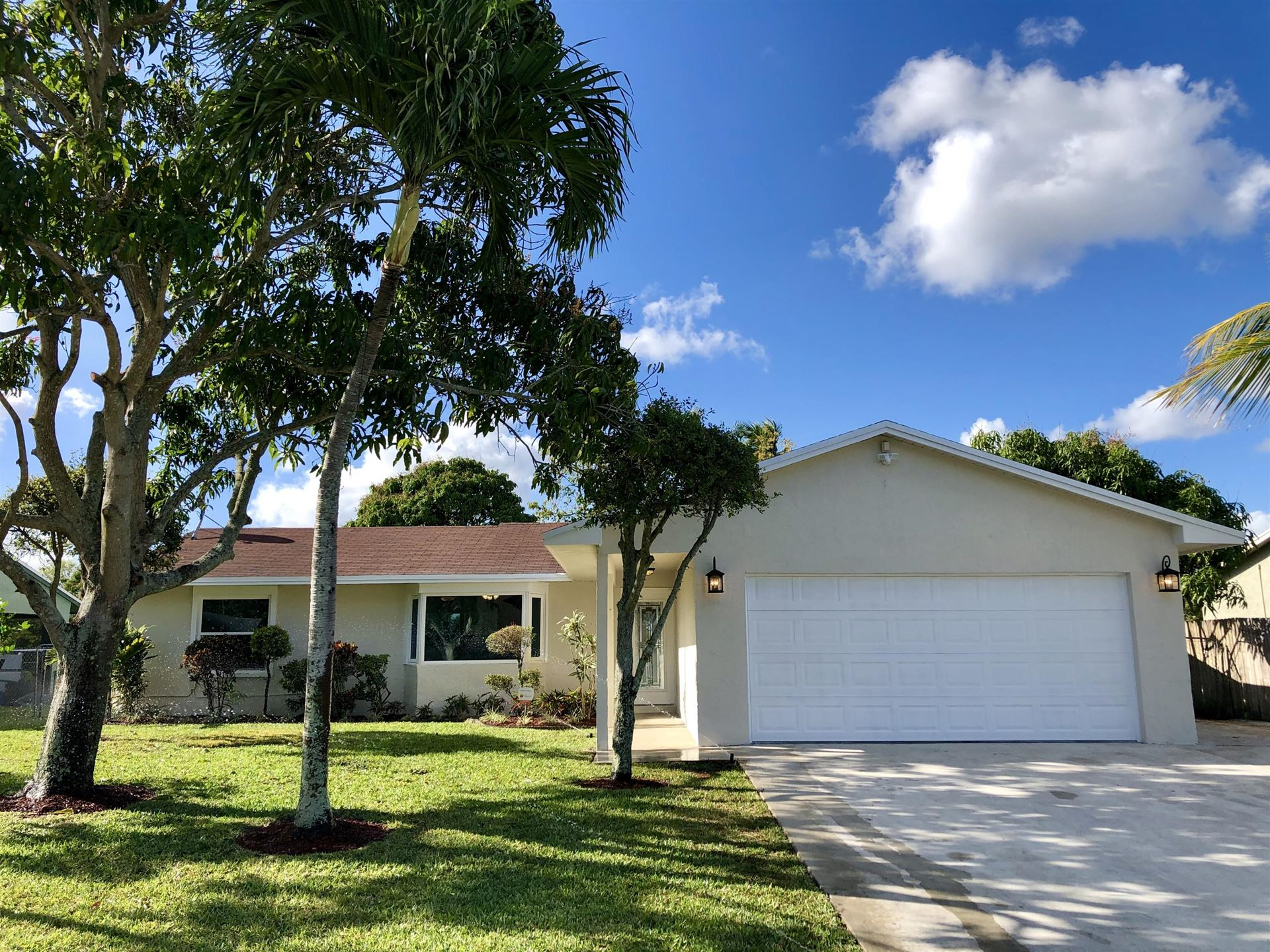 140 Bilbao Street, Royal Palm Beach, FL 33411 - #: RX-10611273