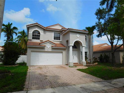 Foto de inmueble con direccion 951 NW 185th Terrace Pembroke Pines FL 33029 con MLS RX-10626278