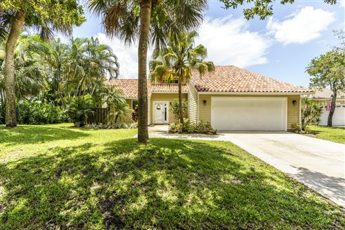 Photo of 6544 Pineloch Court, Jupiter, FL 33458 (MLS # RX-10637278)
