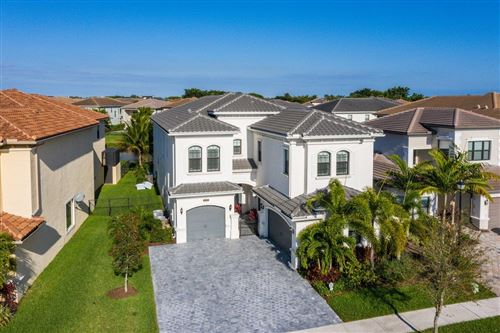 Photo of 16376 Cabernet Drive, Delray Beach, FL 33446 (MLS # RX-10695278)