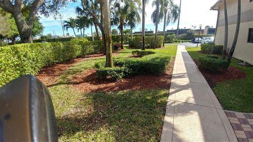 Foto de inmueble con direccion 15451 Pembridge Drive #221 Delray Beach FL 33484 con MLS RX-10605279