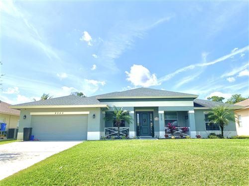 Photo of 8565 SE Pinehaven Avenue, Hobe Sound, FL 33455 (MLS # RX-10707284)