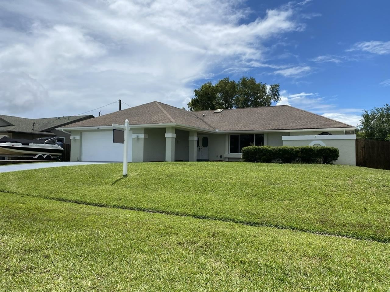 562 SE Volkerts Terrace, Port Saint Lucie, FL 34983 - #: RX-10623288