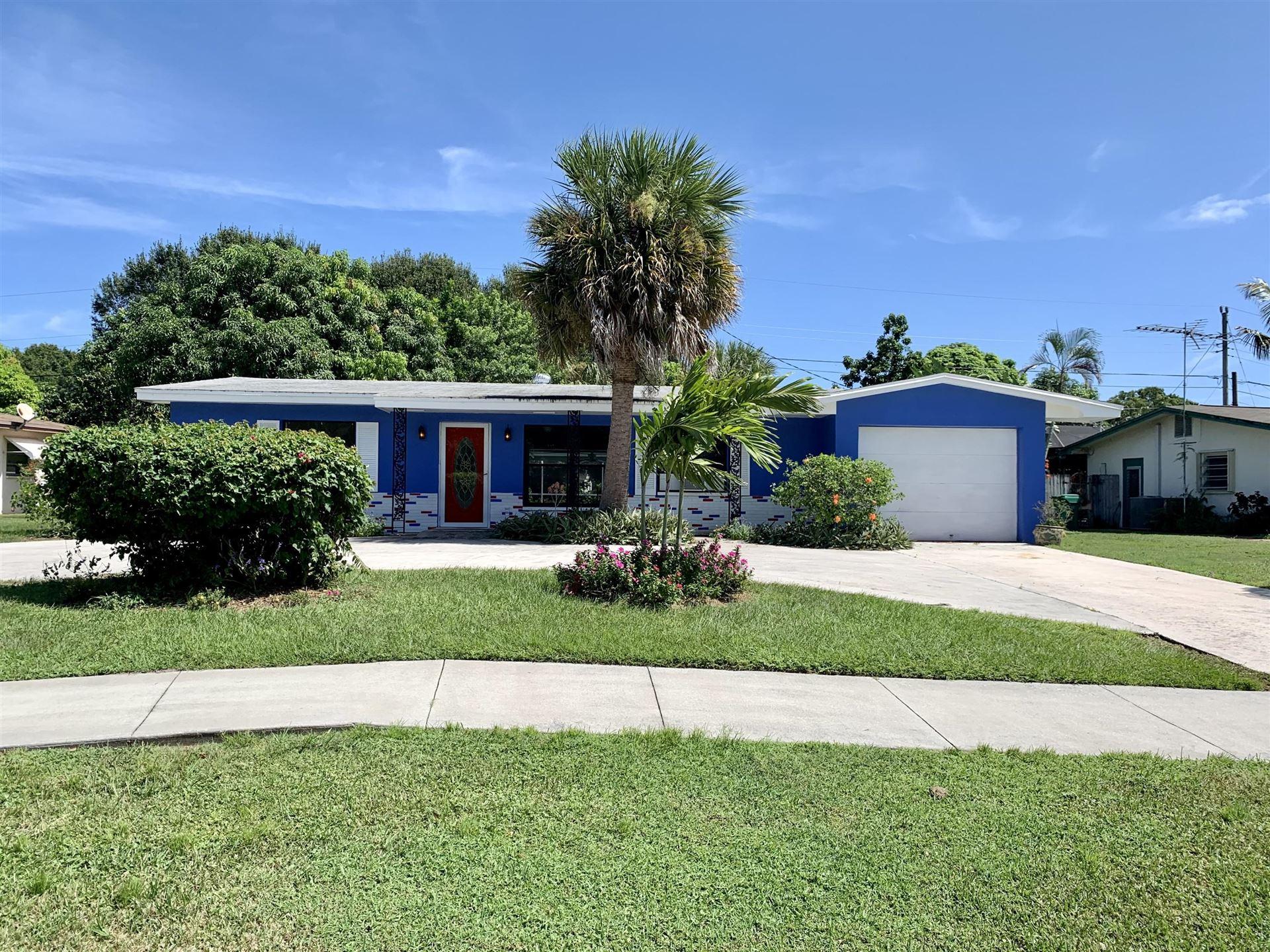 301 Riomar Drive, Port Saint Lucie, FL 34952 - #: RX-10657289