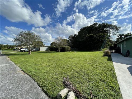 Photo of 5122 Lake Boulevard, Delray Beach, FL 33484 (MLS # RX-10686291)