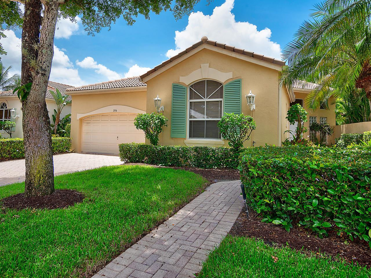 Photo of 206 Sunset Bay Court, Palm Beach Gardens, FL 33418 (MLS # RX-10644292)